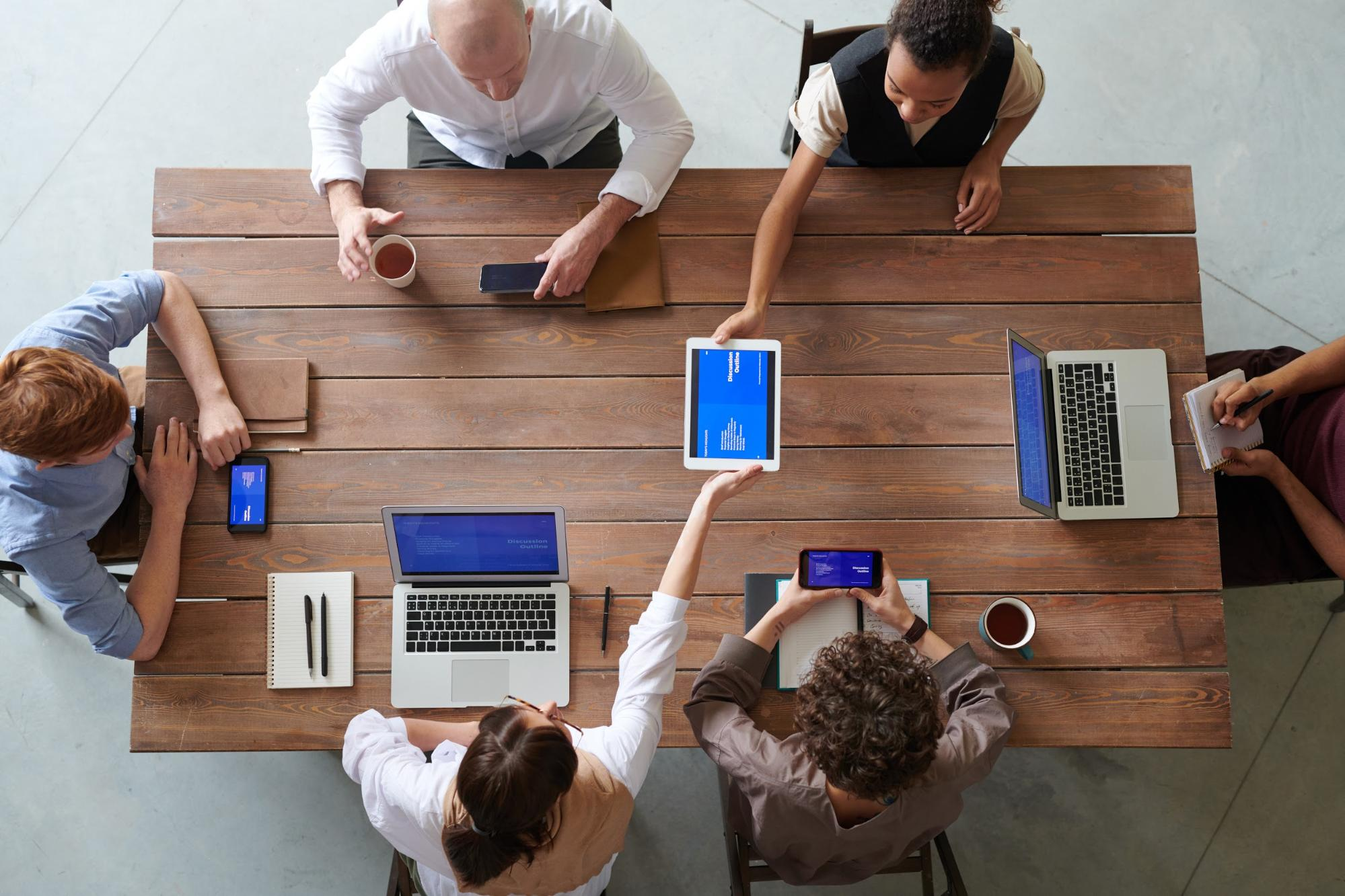 One team - Benefits of cross-platform app development 2